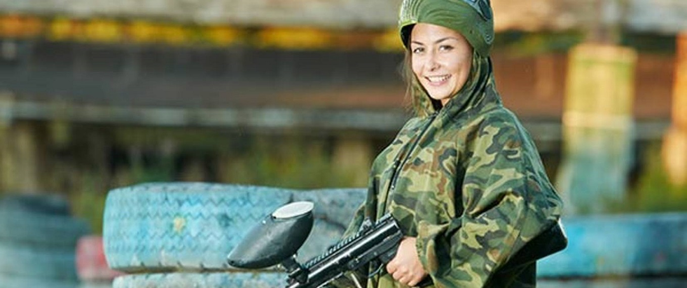 paintballing-corporate-team building